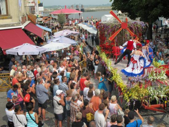 Défilé de Chars - Le Crottoy 2014